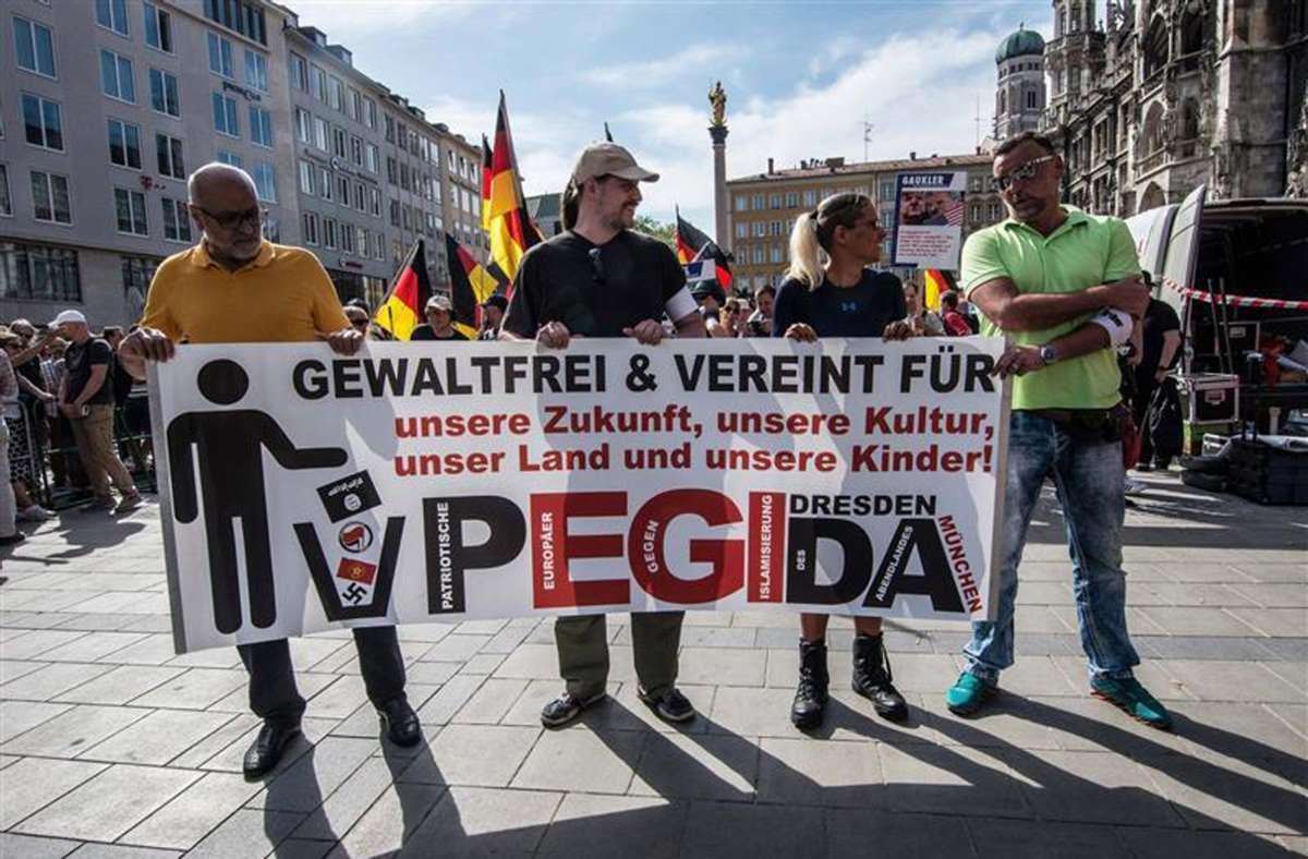 Gegen mehrere Pegida-Organisatoren und -Redner wurden bereits in der Vergangenheit Strafverfahren eingeleitet. (Archivbild) Foto: imago images