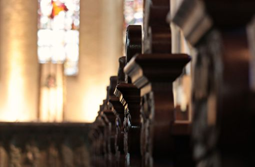 Kirchenfenster eingeschlagen