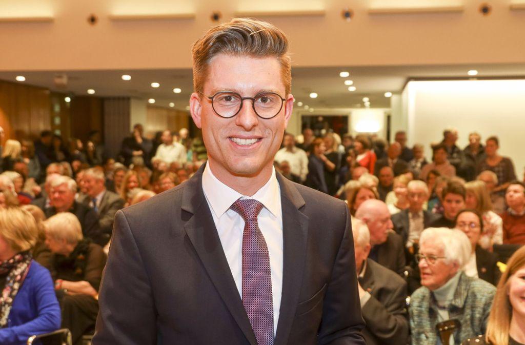 Dirk Oestringer ist im Sitzungssaal des Rathauses vereidigt worden. Foto: factum/Simon Granville