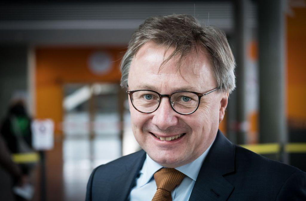 Graeme Maxton   befürwortet die Fair-Handel-Messe.  Foto: Lichtgut/Achim Zweygarth