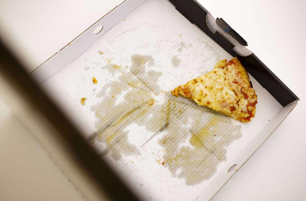 Meist wird die beliebte Pizza in sperrigen Kartons transportiert. Foto: imago/photothek/Thomas Trutschel/photothek.net