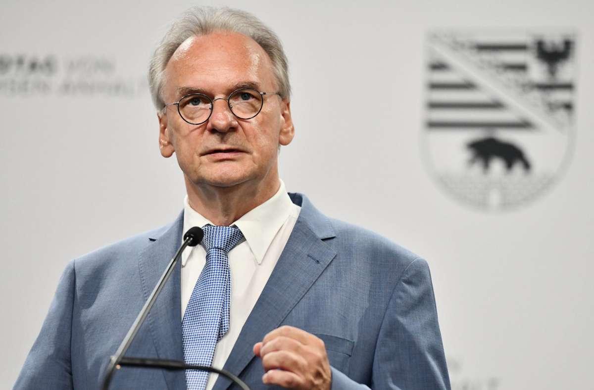 Reiner Haseloff könnte durch die Einigung weiter Regierungschef bleiben. Foto: dpa/Frank May