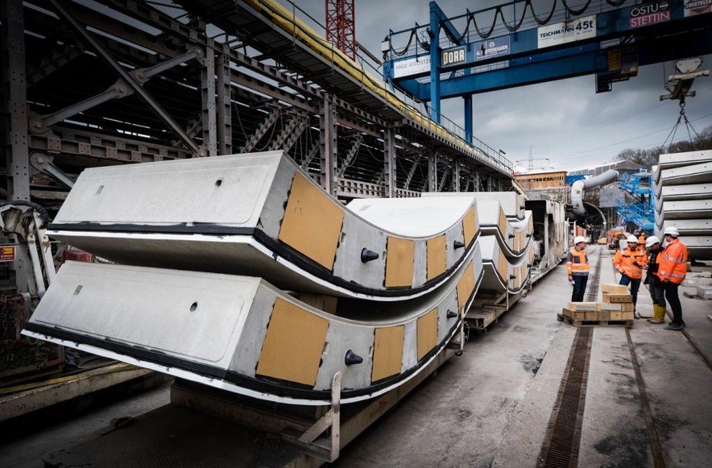 Der Landesflughafen wird Stuttgart aus über den Fildertunnel mit der Bahn erreicht. Die Arbeiten für den Flughafenhalt verzögern sich. Foto: Lichtgut/Achim Zweygarth