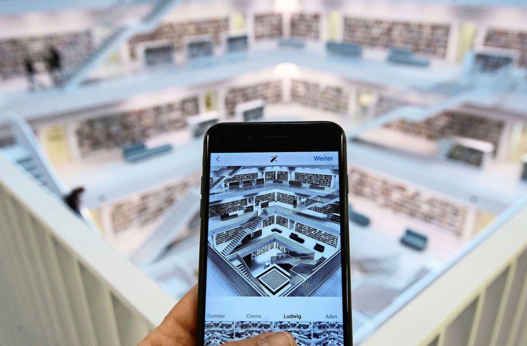 Die Stadtbibliothek ist eines der beliebtesten Stuttgarter Instagram-Motive. Das stellt die Institution durchaus vor Herausforderungen. Foto: dpa