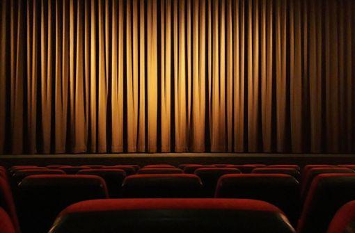 Von Zuhause aus dem Kino helfen