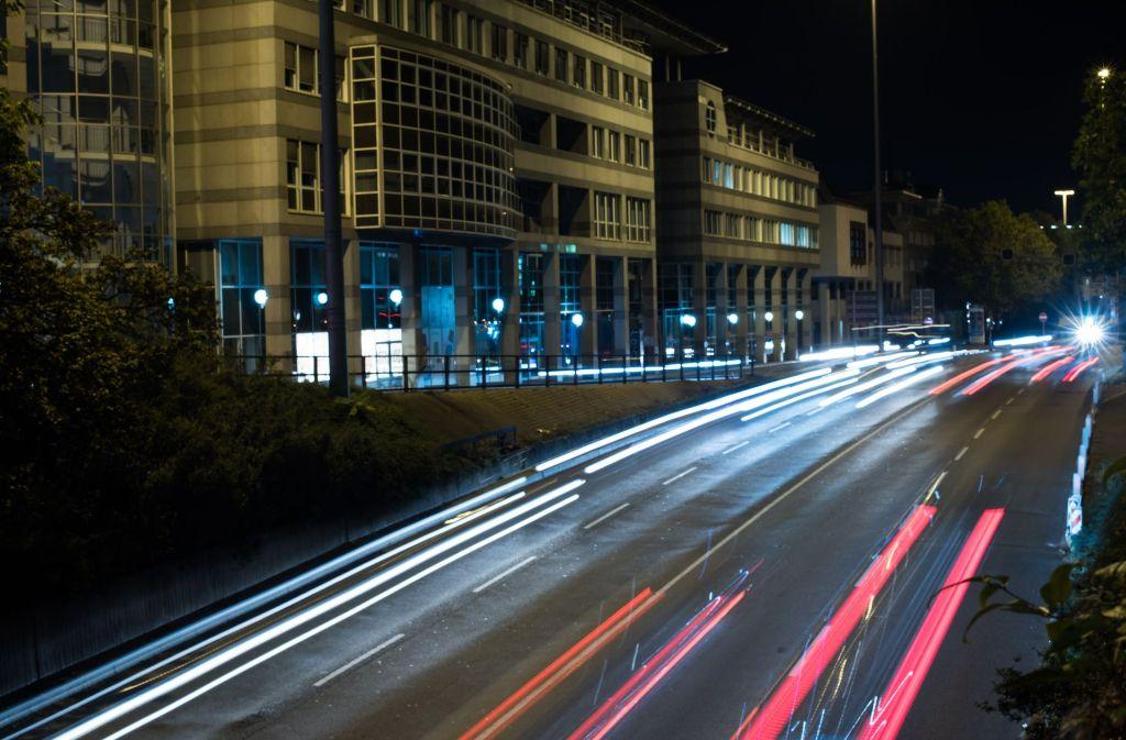 Die Feinstaubwerte sind am Mittwoch stark angestiegen. Einen Aufruf an die Autofahrer zum Umstieg gab es aber nicht. Foto: Lichtgut/Max Kovalenko