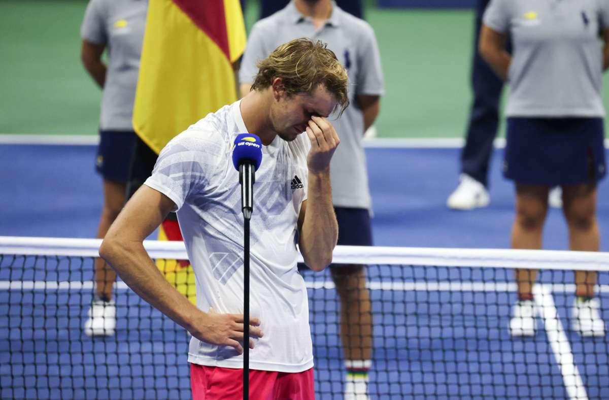Alexander Zverev kämpfte nach der Niederlage im US-Open-Finale mit den Tränen. Foto: AFP/AL BELLO