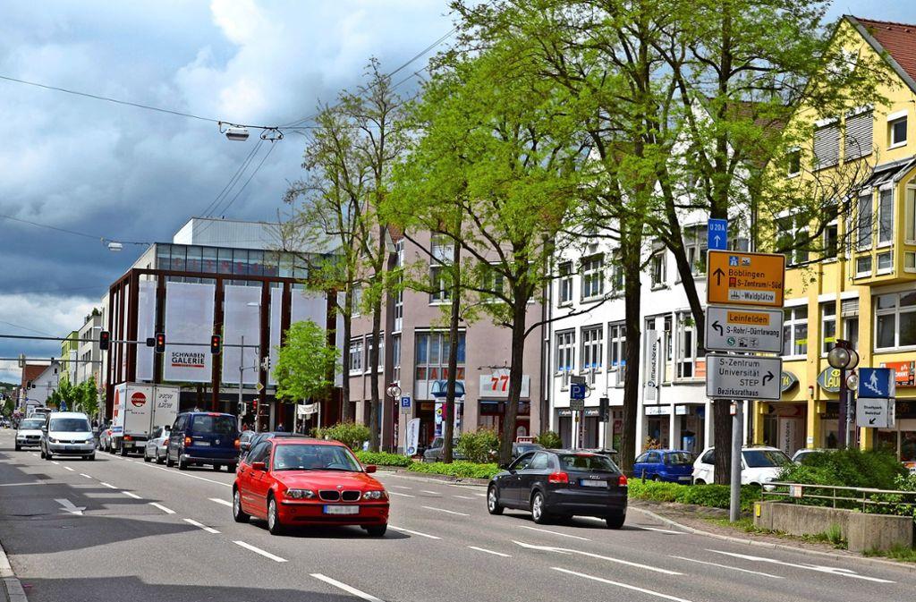 Die Hauptstraße in Vaihingen ist alles andere als eine Flaniermeile. Foto: Sandra Hintermayr