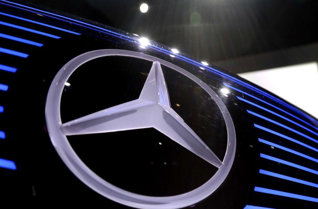 Die Personenwagensparte von Mercedes soll ein eigenes Unternehmen bilden. Foto: AP