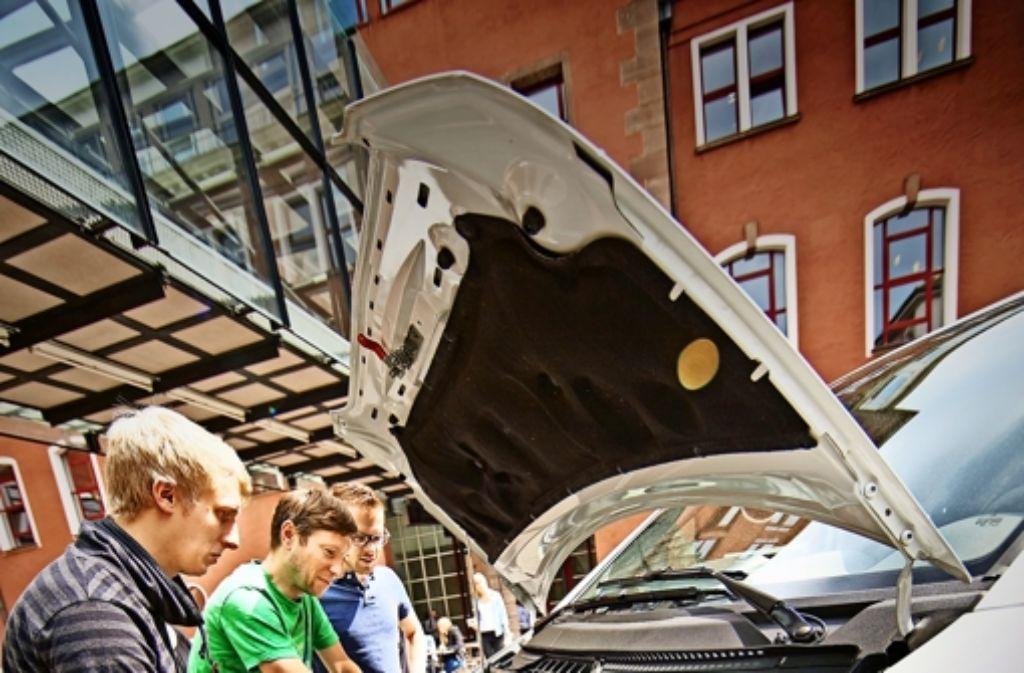 Wie weit reicht der Elektroantrieb eines beladenen Transporters wohl? Foto: