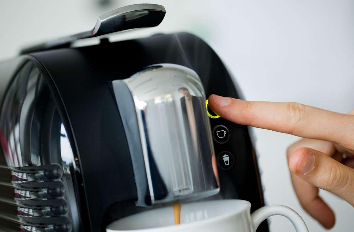 Kapsel, Pad,  Vollautomat: Kaffee kommt aus vielen Quellen. Foto: dpa/Rolf Vennenbernd