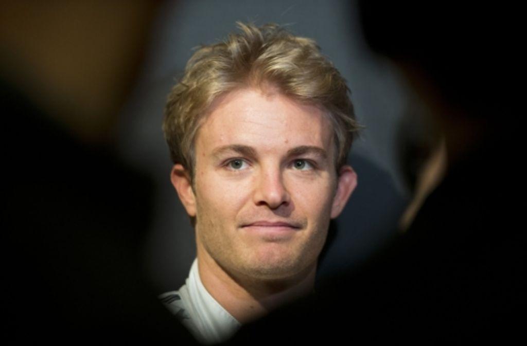 Auch Nico Rosberg versteigert seinen Ice Bucket. Foto: dpa