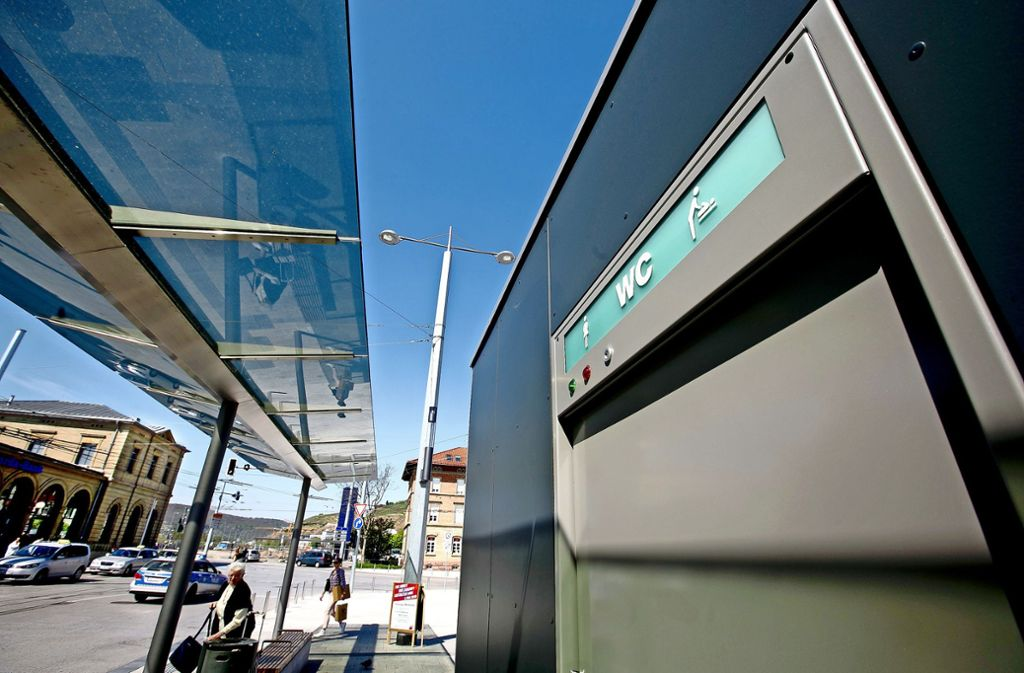 Nur am Bahnhof (Foto) und im Agneshof gibt es barrierefreie Toiletten. Foto: Rudel/Archiv