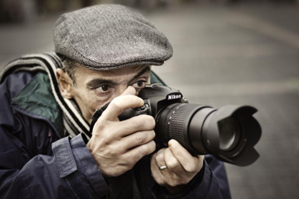 Der tunesische Fotograf Hamideddine Bouali in Stuttgart Foto: Philipp Weingand