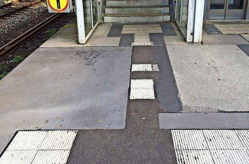 Der Bahnsteig ist nur teilweise ertastbar