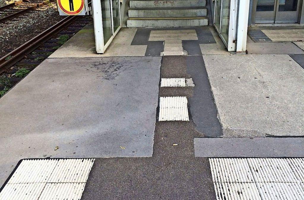 Das Blindenleitsystem an der Haltestelle Österfeld ist lückenhaft. Foto: z