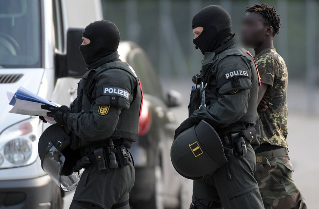 Bei dem Polizeieinsatz im  Mai 2018 in Ellwangen wurden mehrere Flüchtlinge festgenommen. Foto: dpa