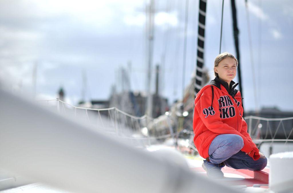 Derzeit befindet sich Greta Thunberg auf hoher See. Um nicht zufliegen, segelt die Jugendliche mit einer Rennjacht nach New York. Dort wird sie am UN-Klimagipfel teilnehmen. Foto: AFP