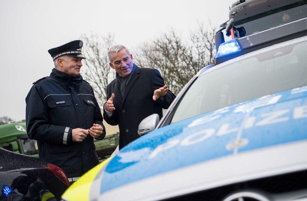 Burkhard Metzger (links), Polizeivizepräsident des Polizeipräsidiums Ludwigsburg, und Thomas Strobl. Foto: dpa