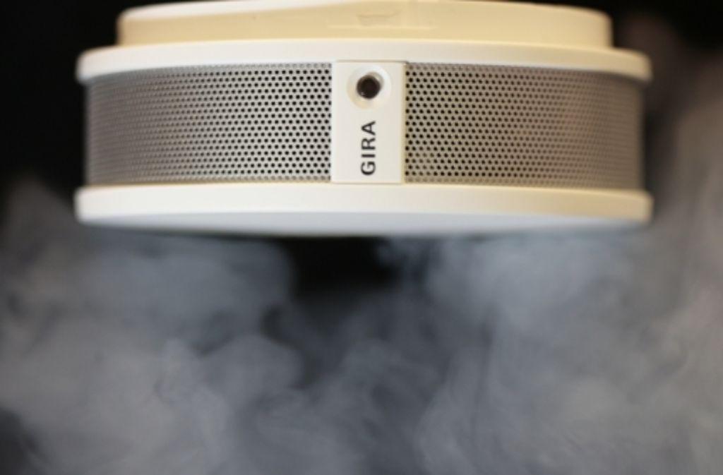 In den meisten Bundesländern sind Rauchmelder in Wohnungen bereits Plicht. Foto: dpa