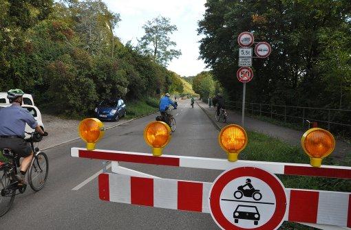 Hofener Straße wieder zeitweise für Autos gesperrt