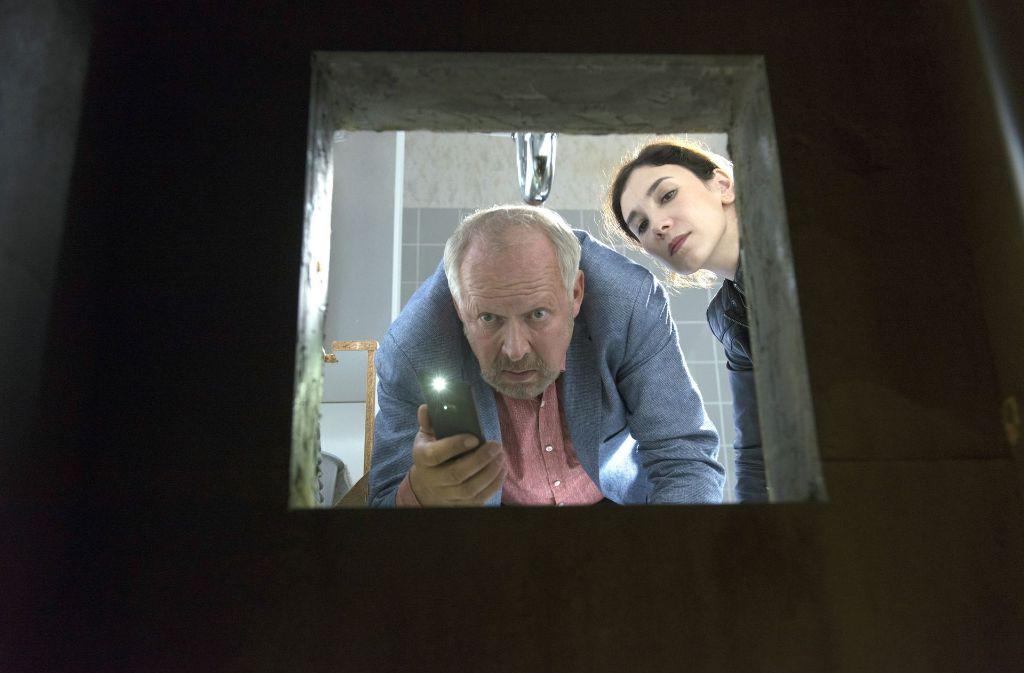 Klaus Borowski und Sarah Brandt bringen Licht ins Dunkel. Foto: NDR