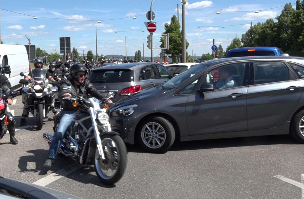 Am Pragsattel kam es am Mittag zu großen Verkehrsbehinderungen. Foto: Andreas Rosar