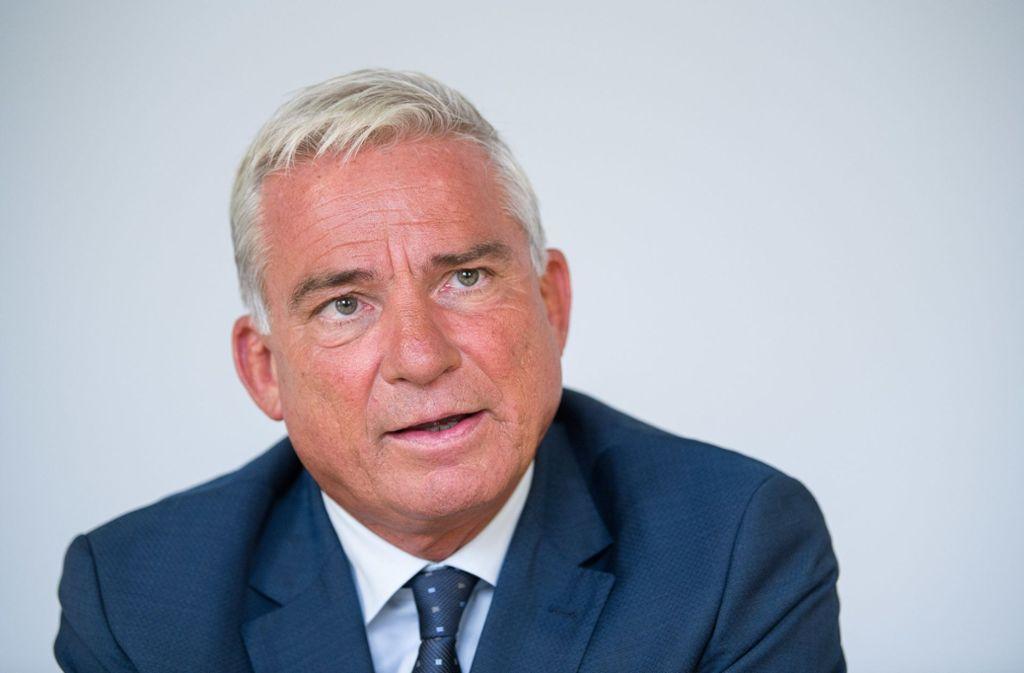 Innenminister Thomas Strobl (CDU) äußerte sich am Freitag in Stuttgart zum Vergewaltigungsfall in Freiburg. Foto: dpa