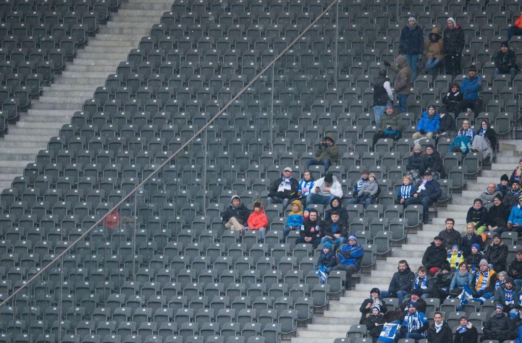 Häufiger Anblick: Ein nur halbvolles Berliner Olympiastadion. Foto: dpa