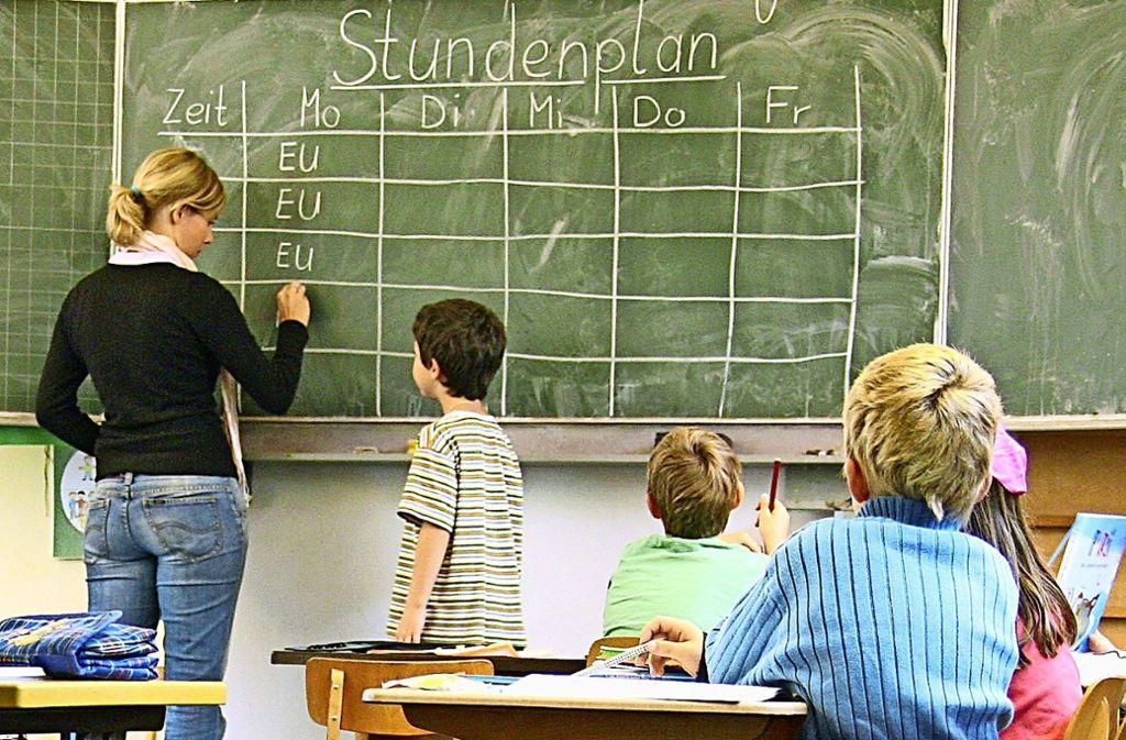 306 neue Schüler in verschiedenen Klassenstufen wollte die FES im neuen Schuljahr aufnehmen. Doch nun droht sie damit, es nicht zu tun. Foto: dpa/Jochen Lübke
