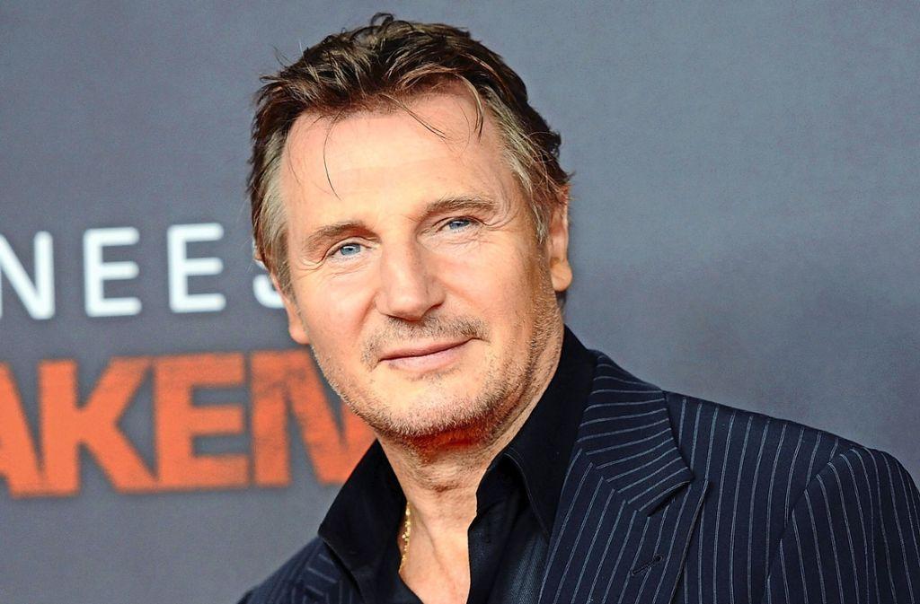 Schauspieler Liam Neeson (66) verkörpert in seinen Filmrollen oft Alltagshelden, die sich gegen dunkle Machenschaften zur Wehr setzen. Foto: dpa