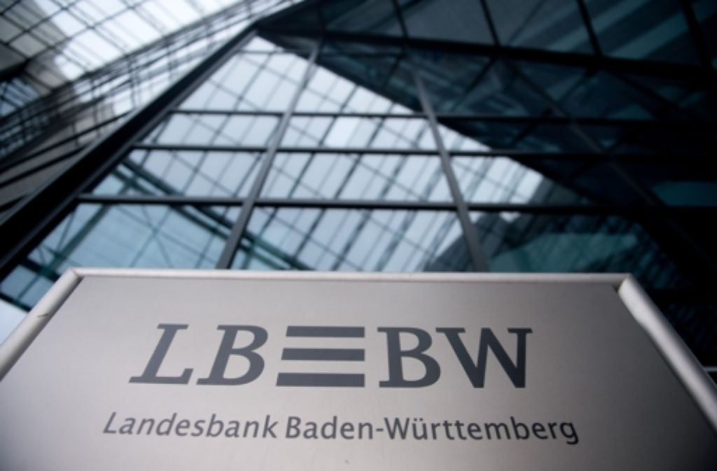 Ein 42-jähriger Bankmitarbeiter soll die Landesbank in Stuttgart um 750.000 Euro erleichtert haben. Foto: dpa