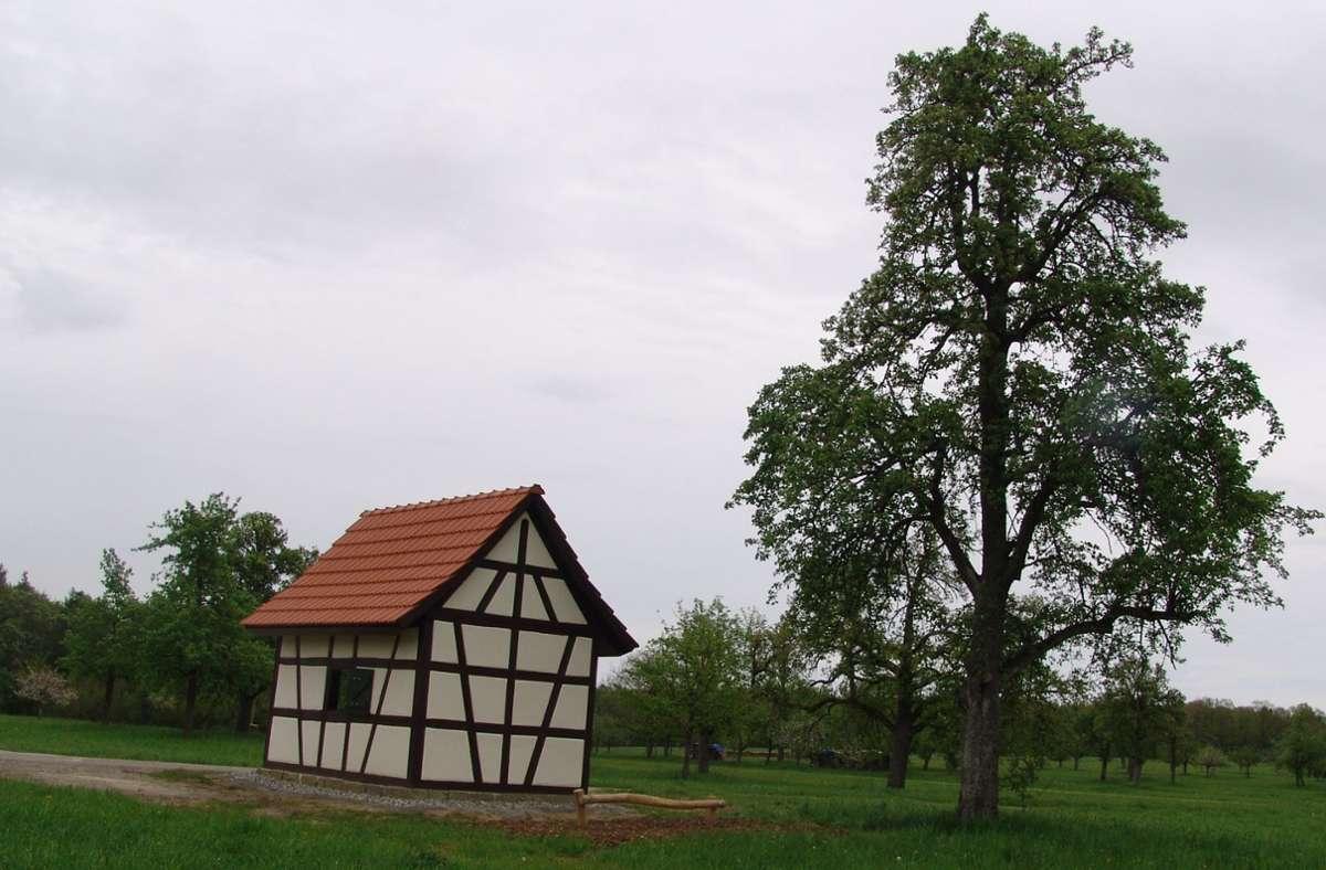 Ein Ort zum Verweilen und zum Ausruhen: Das sanierte Feldschützenhäuschen auf dem Braunäcker zwischen Waldenbuch und Dettenhausen. Foto: Friedl