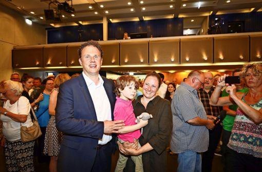 Wahlsieger Matthias Knecht wird euphorisch gefeiert