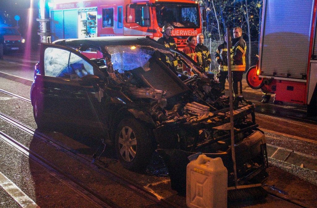 Ein schwerer Unfall hat sich an der Nordbahnhofstraße in Stuttgart ereignet. Foto: SDMG