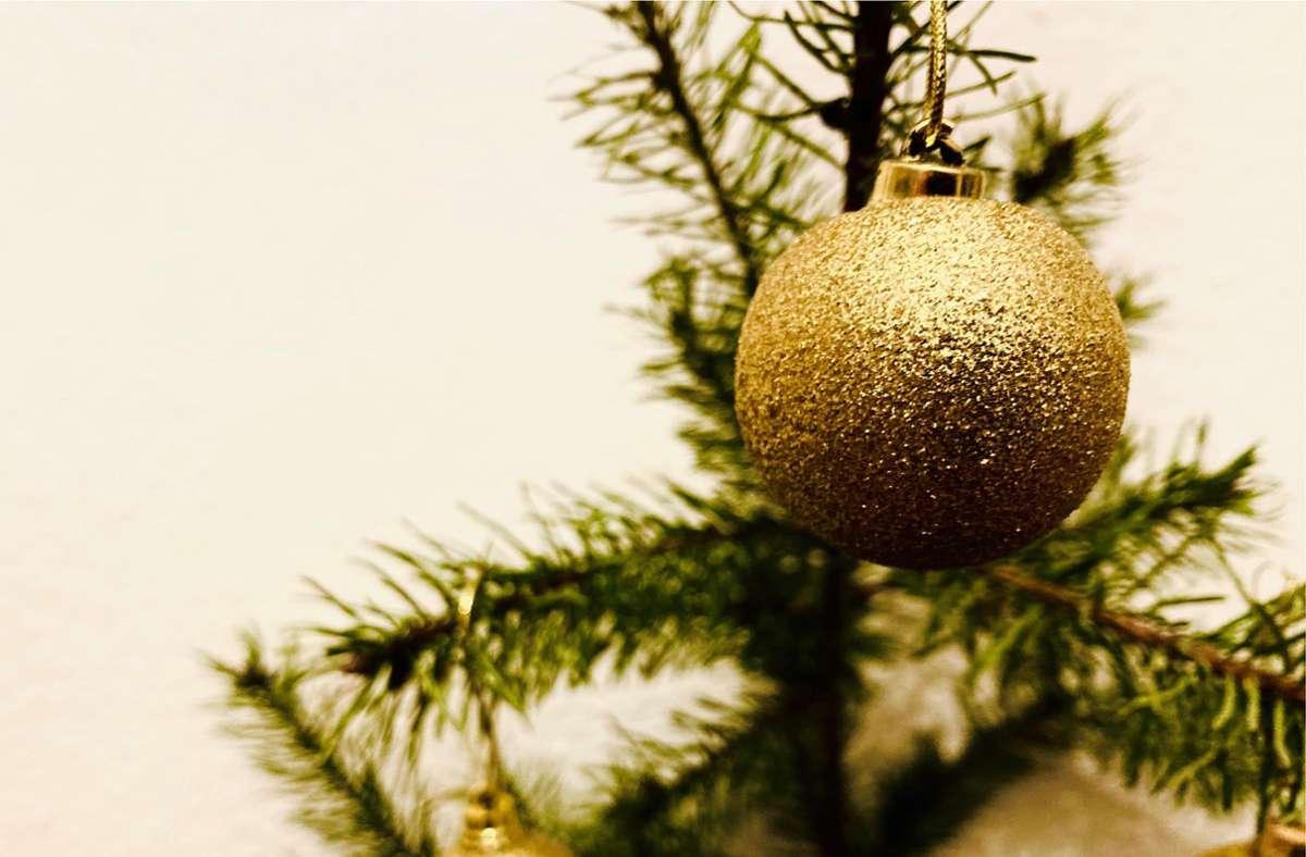 Weihnachtsschmuck – mit zunehmendem Alter ein riesen Spaß. Besonders für die, die noch nicht alt sind. Foto: Setzer