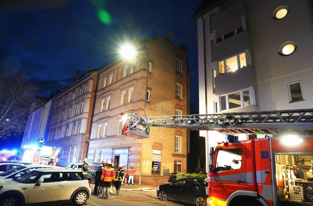 Die Feuerwehr löschte den Brand in der Forststraße rasch. Foto: Andreas Rosar / / Fotoagentur-Stuttg