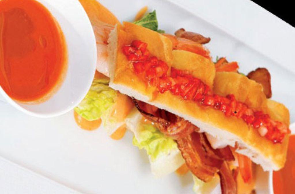Erdbeergazpacho mit Crevetten-Focaccia Foto: Verlagsedition netzwerk