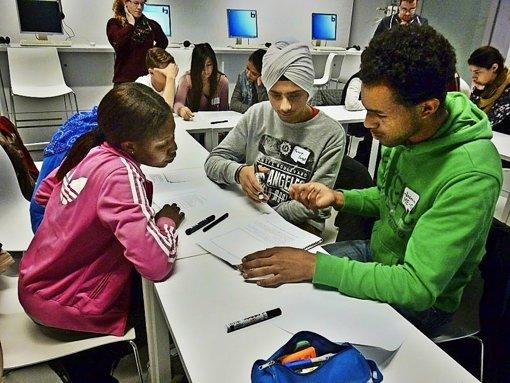 Büchereien sind für viele Flüchtlinge ein wichtiger Ort des Lernens. Foto: Stadtbibliothek