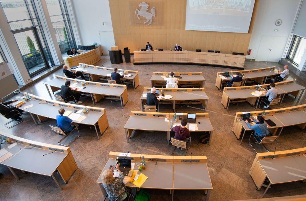 Der Gemeinderat tagte am Donnerstag aus Gründen des Infektionsschutzes nur in kleiner Runde. Er beschloss ein Programm zur Soforthilfe. Foto: Lichtgut/Leif Piechowski