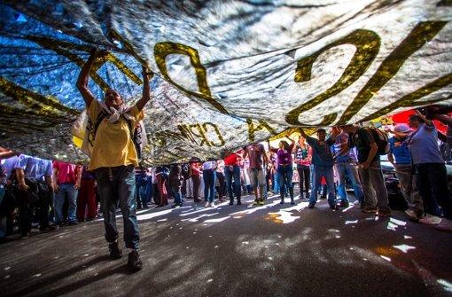 Party und Proteste