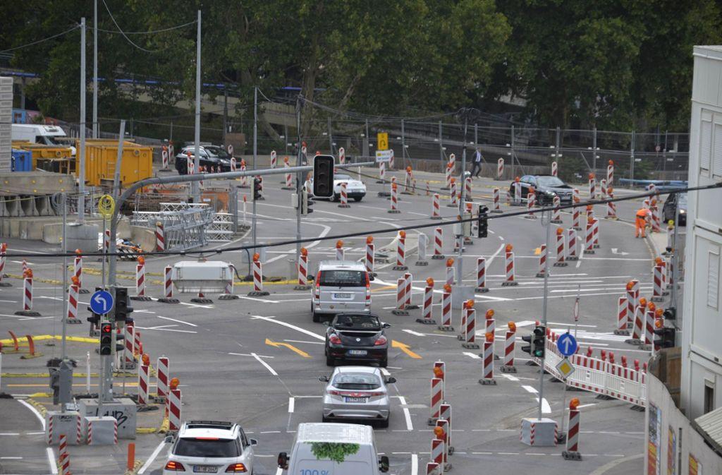 Umleitungen gehören in Stuttgart zum Stadtbild dazu. Foto: Andreas Rosar Fotoagentur-Stuttgart