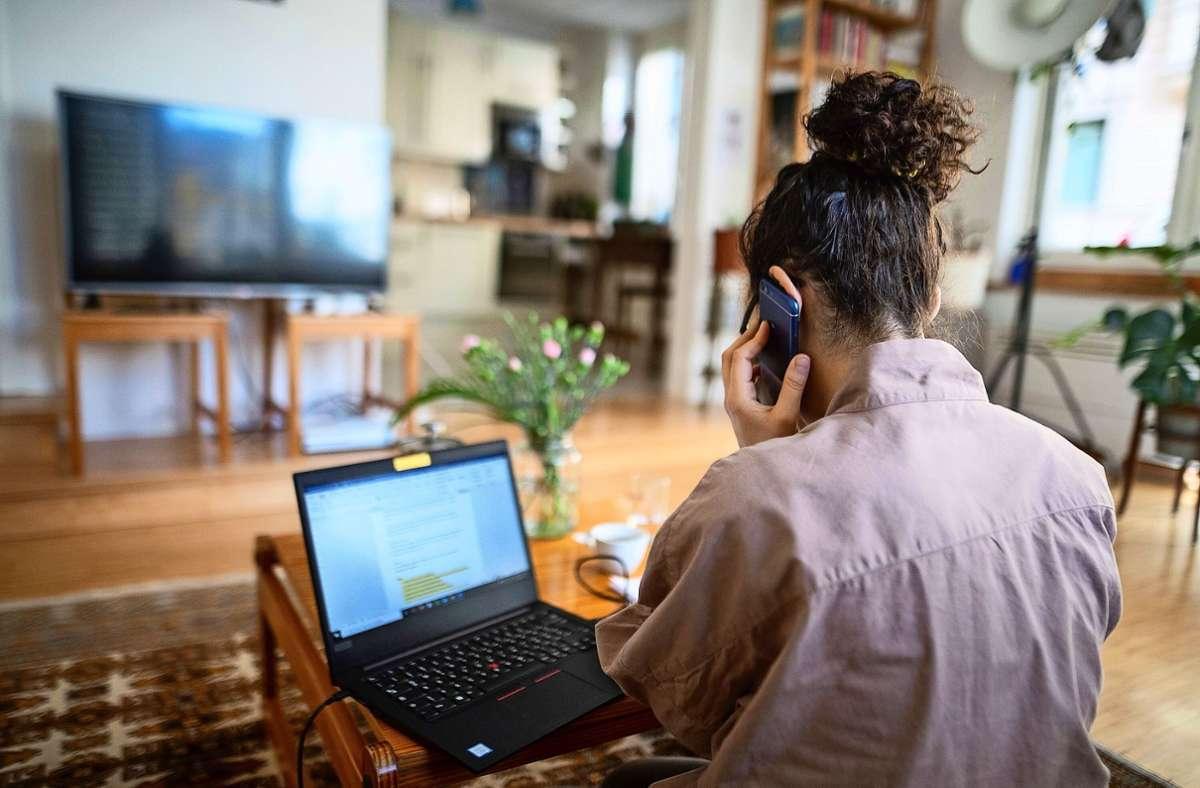 Laut einer neuen Verordnung müssen die Arbeitgeber Homeoffice ermöglichen. Tun sie das nicht, kann das  Bußgelder zur Folge haben. Foto: dpa/Sebastian Gollnow