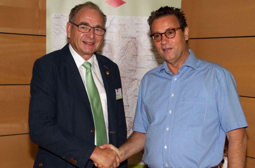 Georg Keller, der Präsident des Schwarzwaldvereins, und Agrarminister Peter Hauk Foto: privat