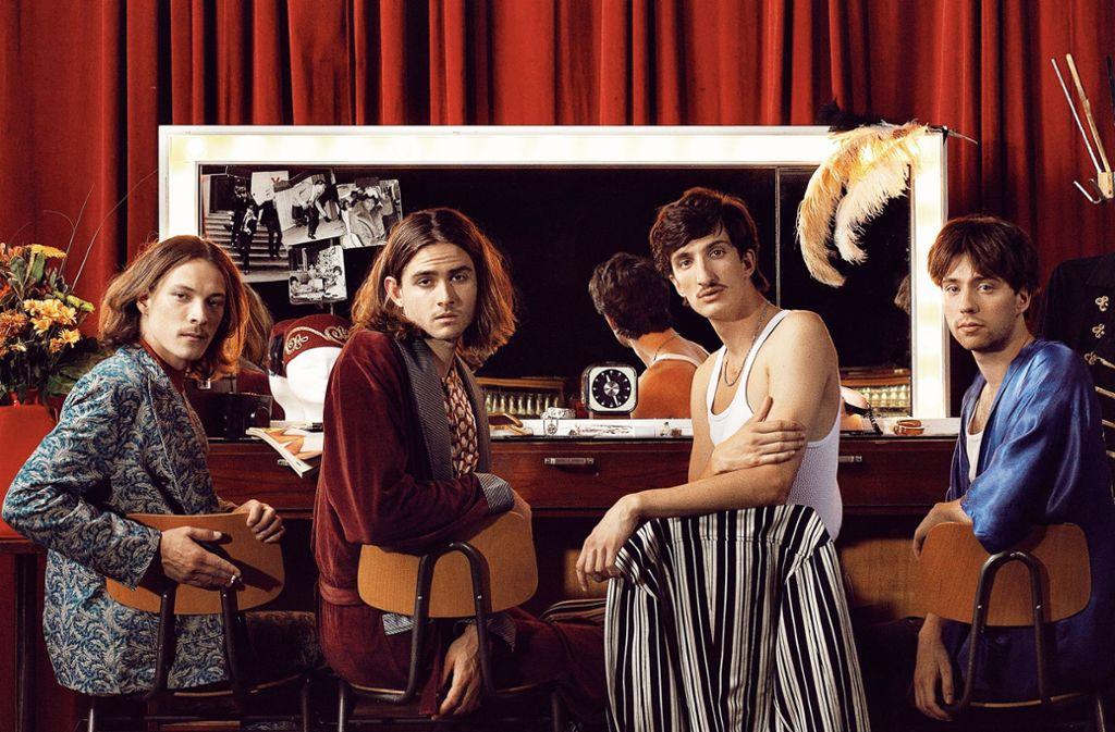 Nicht nur Bandmitglieder, sondern Freunde: Ferdinand Hübner, Chris Ronge, Sascha Scherer und Sam Baisch (v. li.) Foto: Linda Ambrosius