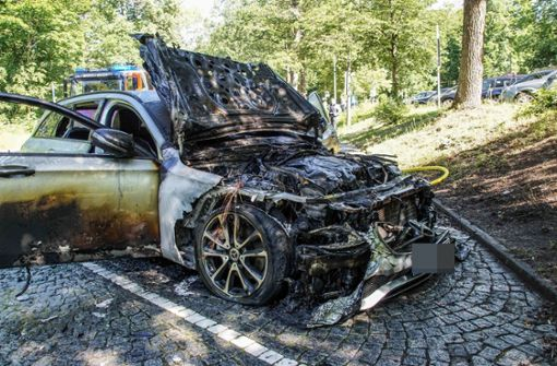 Mercedes brennt komplett aus – hoher Schaden