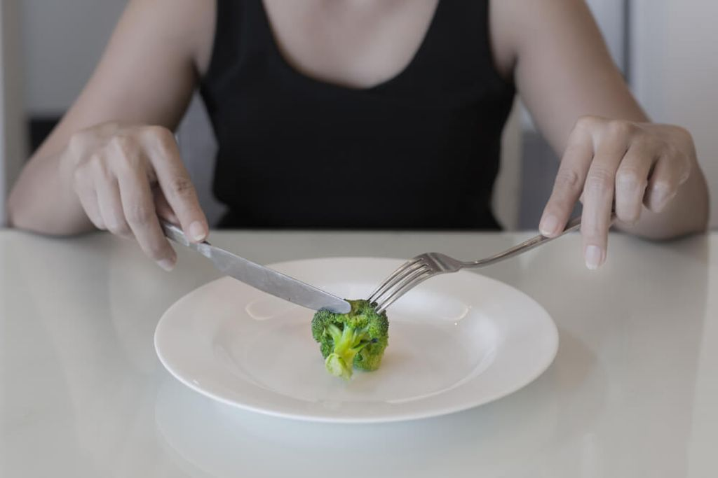 Abnehmen geht auch ohne hungern. Foto: christinarosepix / shutterstock.com