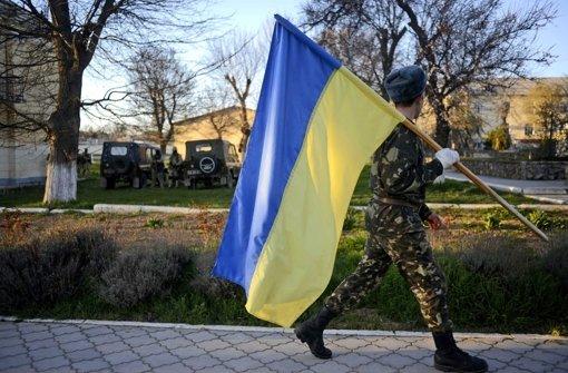 Soldaten verlassen die Krim