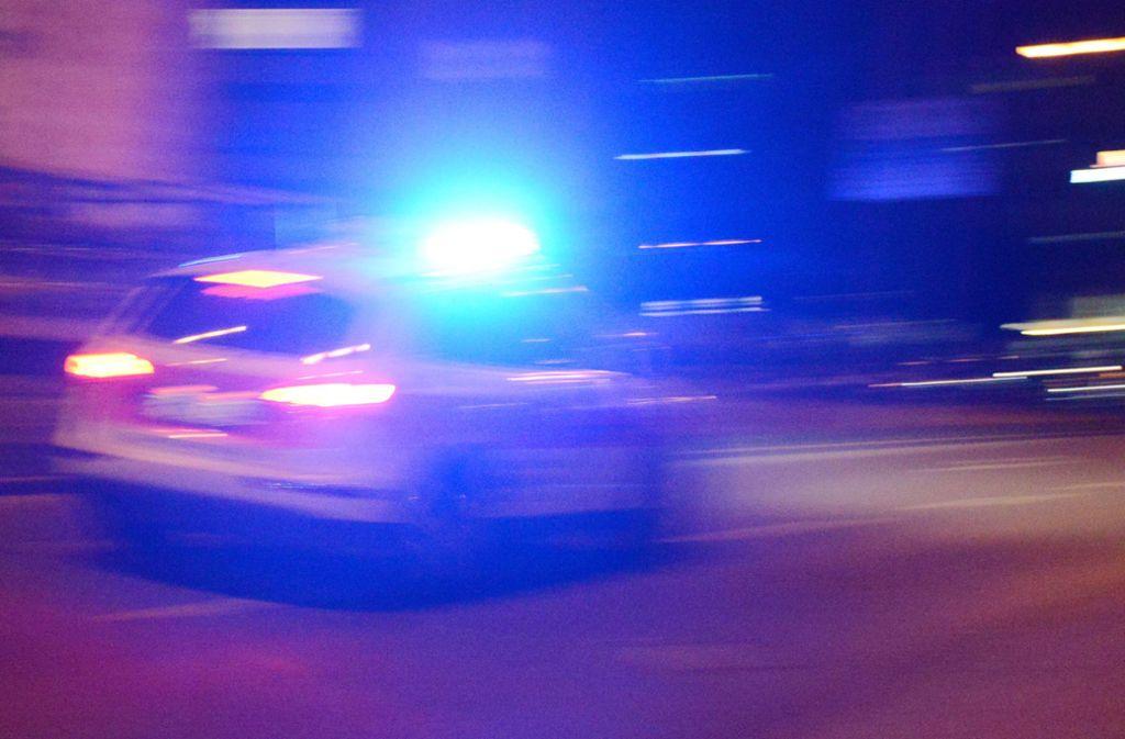 Der Porschefahrer zog sich bei dem Unfall schwere Verletzungen zu (Symbolbild) Foto: dpa/Patrick Seeger