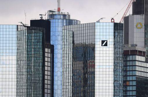 Ein Ex-Banker zieht im Hintergrund die Fäden